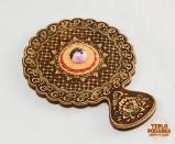 Зеркальце с ручкой, украшенное родонитом